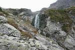 водопад на подъёме к леднику Челипси