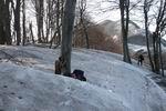 в снежной воронке